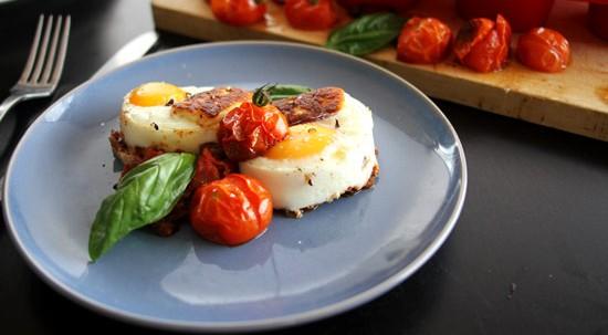 Paleo Eggs baked with Haloumi Tomato Sofrito